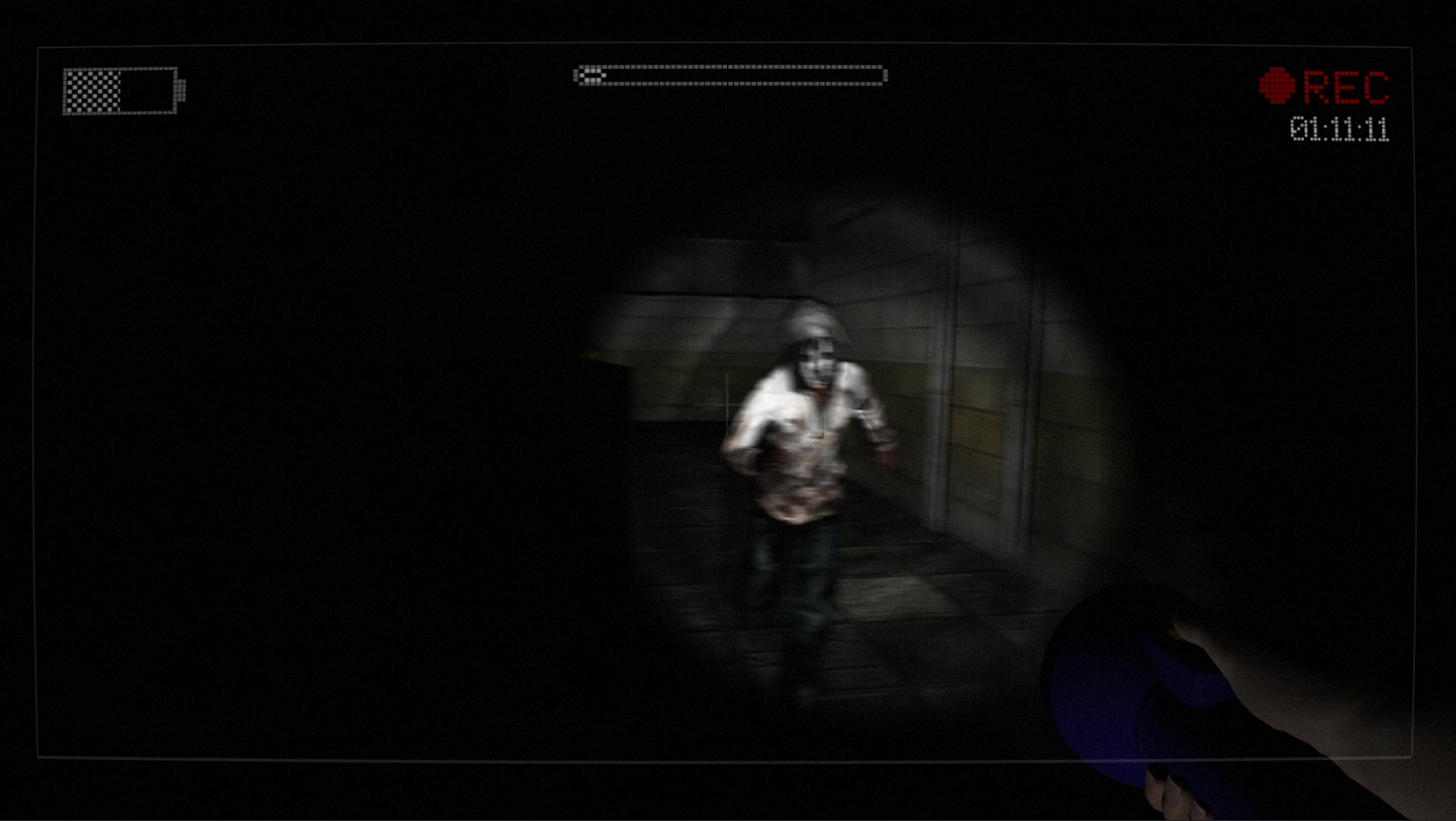 Screenshots of Slender: The Eight Pages