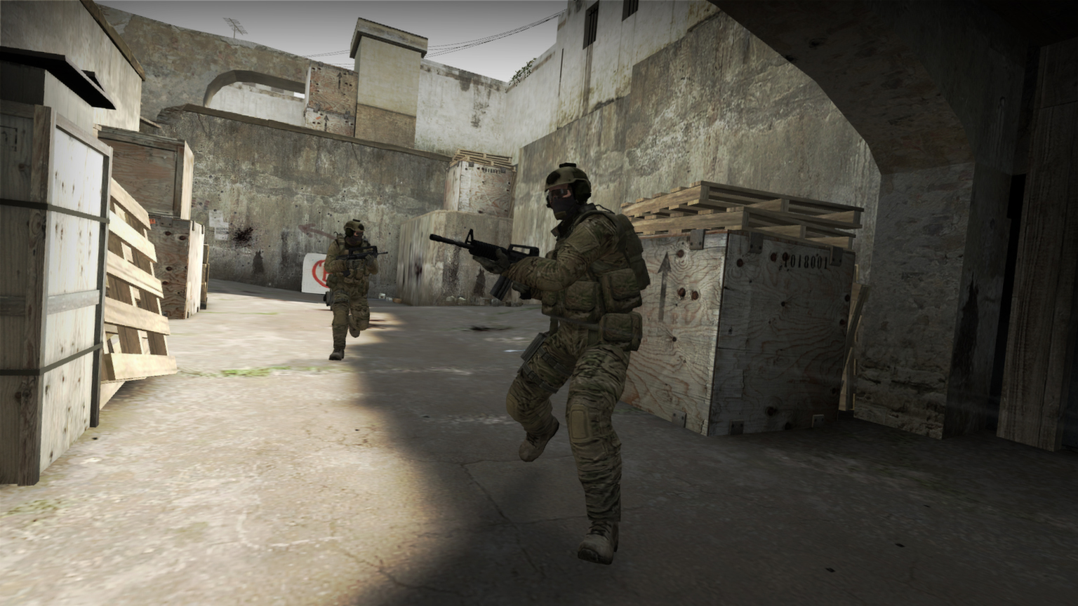 when did counter strike come out